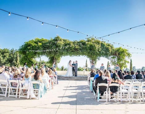Plan A Day To Remember At One Of Chaminade Resort Spa S Immaculate Wedding Venues Nestled On Hill Above Santa Cruz Overlooking Monterey Bay And The